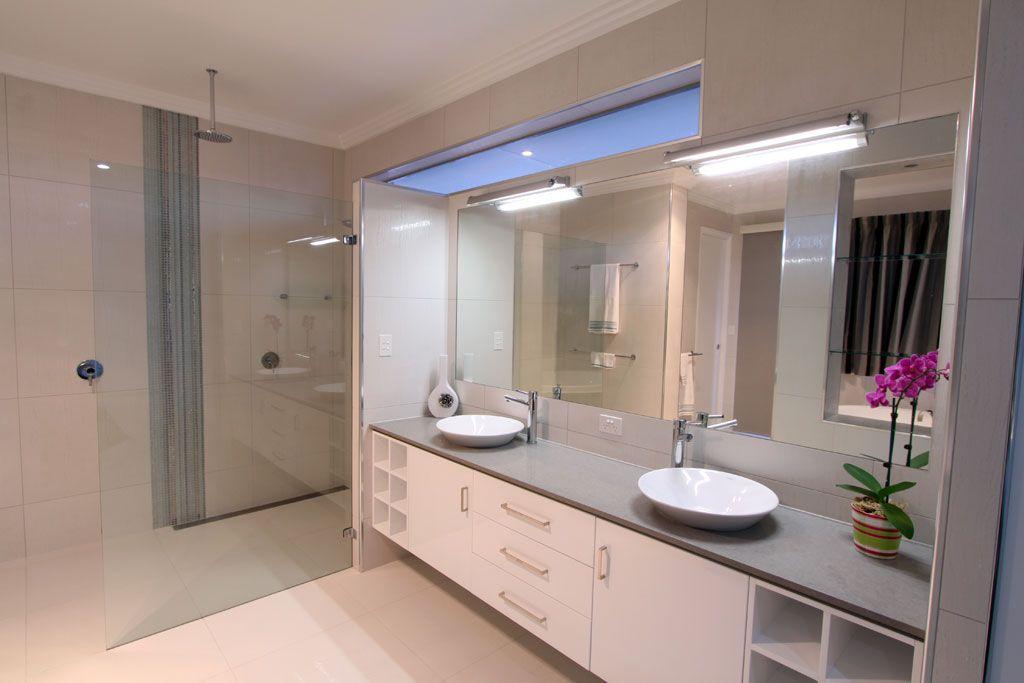 Oyster från Caesarstone i nya badrum